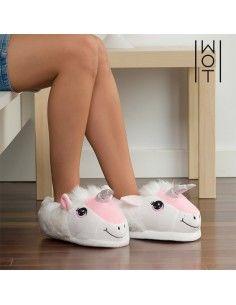 Wagon Trend Unicorn Slippers